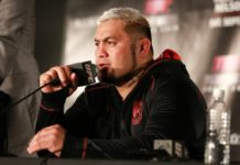 Mark Hunt, among the bonus winners at UFC Auckland