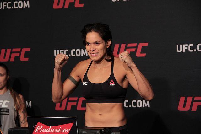 Amanda Nunes UFC 213