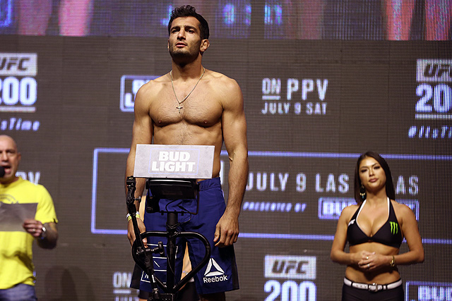 Gegard Mousasi signs multifight deal with Bellator MMA