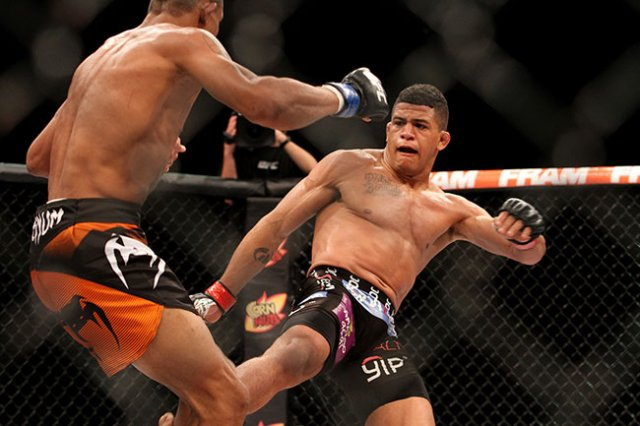 Gilbert Burns opened UFC Pittsburgh (UFC Fight Night 116)