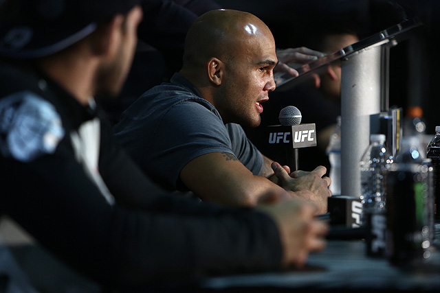 Robbie Lawler Praises Rafael dos Anjos After UFC on FOX 26 Loss