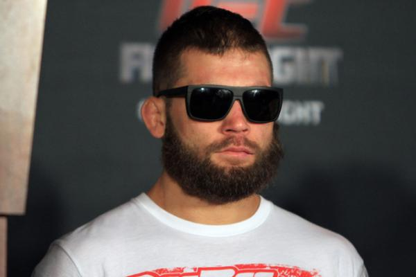 Jeremy Stephens KO's Doo Ho Choi in UFC Fight Night headliner