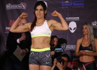 DeAnna Bennett is fighting Karina Rodriguez at Invicta FC 28