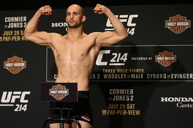 Volkan Oezdemir UFC