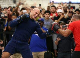 UFC Wichita Junior dos Santos Derrick Lewis