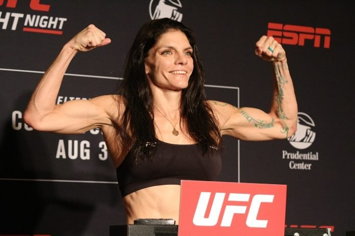 03 UFC Newark Lauren Murphy