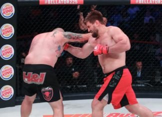 Vitaly Minakov hits Tim Johnson, Bellator MMA