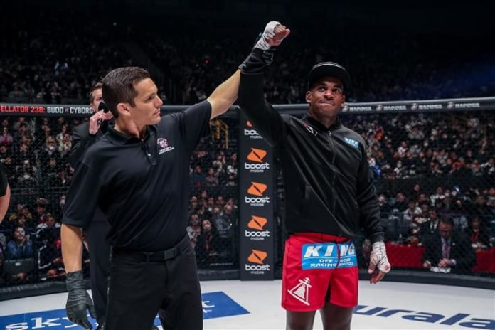 Lorenz Larkin Bellator MMA