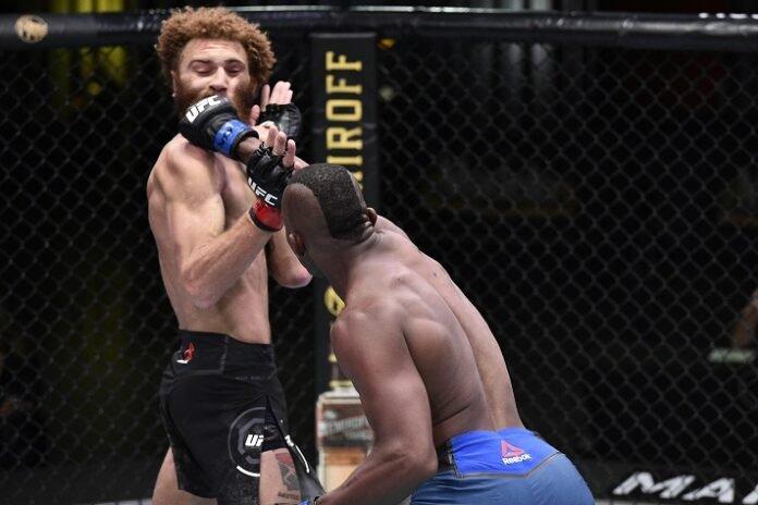 Khama Worthy punches Luis Pena at UFC on ESPN 12