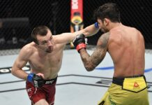 Askar Askarov lands on Alexandre Pantoja, UFC Fight Island 2