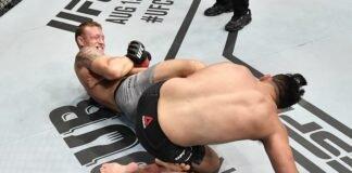 Jack Hermansson submits Kelvin Gastelum via heel hook at UFC Fight Island 2