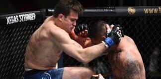Jordan Wright knees Ike Villanueva at UFC Vegas 7