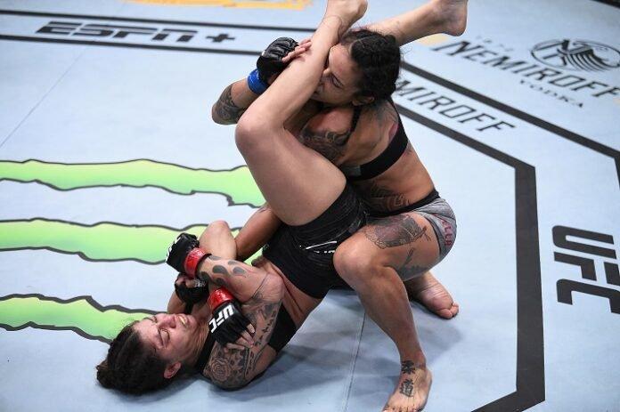 Mayra Bueno Silva works to submit Mara Romero Borella, UFC Vegas 11