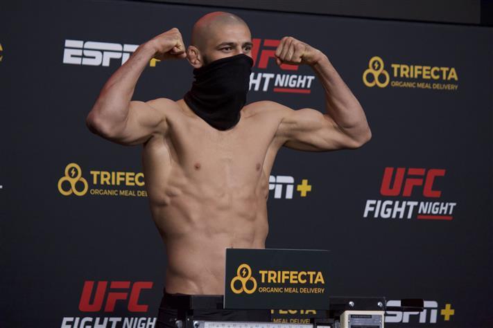 Khamzat Chimaev, UFC Vegas 11 weigh-in