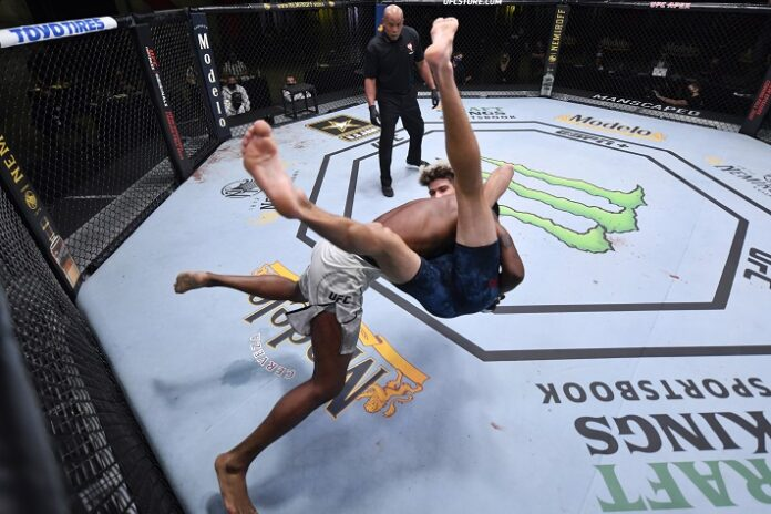 Kevin Holland takes down Charlie Ontiveros at UFC Vegas 12