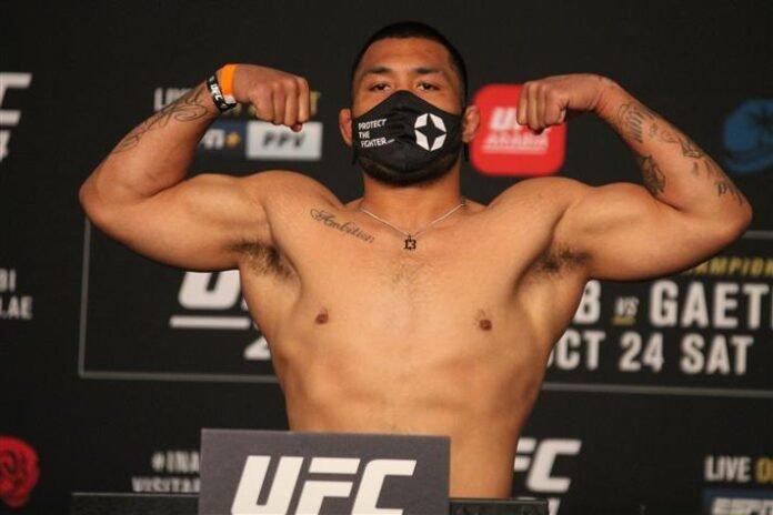 Isi Fitikefu, UFC