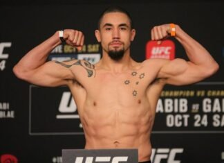 Robert Whittaker UFC 254 Weigh-in