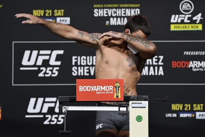 Mike Perry, UFC 255