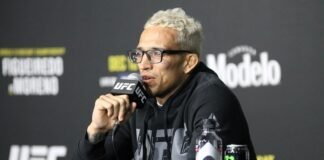 Charles Oliveira, UFC 256