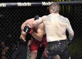Aleksei Oleinik and Chris Daukaus, UFC Vegas 19