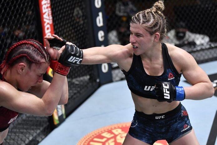 Gillian Robertson and Miranda Maverick, UFC 260