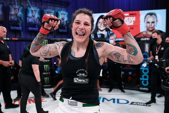 Priscila Souza dominates, claims inaugural Shooto Brazil womens bantamweight title - MMA Fighting